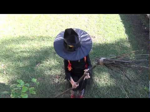 How to make your own witch's broomstick for dress ups