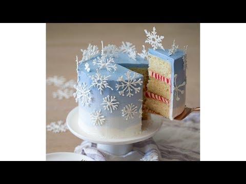 How to Make a Snowflake Cake