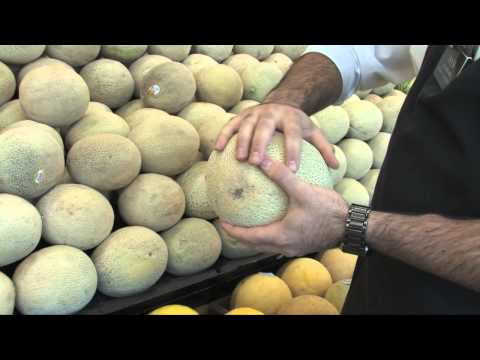 How to Pick Out a Ripe Cantaloupe