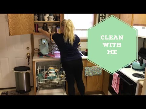 CLEAN WITH ME 2018 | CLEANING MY ENTIRE APARTMENT | CLEANING MOTIVATION