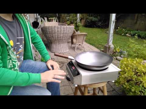 Seasoning a carbon steel wok on induction cooker