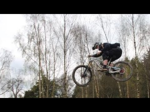 ELLIOTT GLYNN SPEEDS UP PENSHURST BIKEPARK!! - MINI EDIT