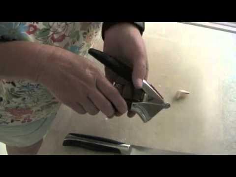 Garlic Press vs Chef Knife