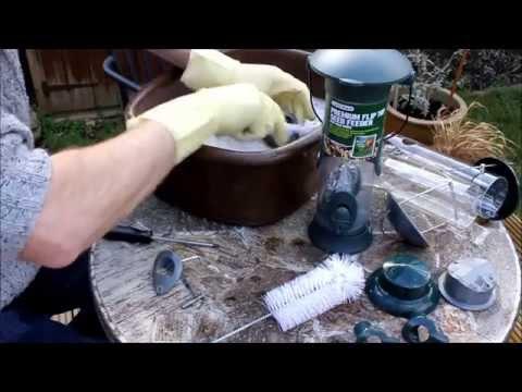 Bird Feeding Hygiene - Keeping your bird feeders clean
