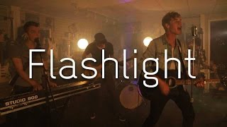 download lagu flashlight cover