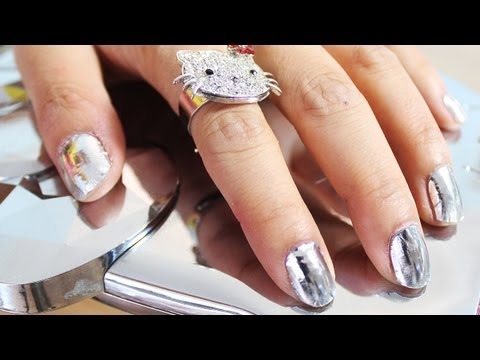How to: Silver Mirror Foil Nails