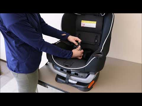 Graco® Extend2Fit® - How to Remove and Replace the Car Seat Cover