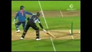 Clever MS Dhoni Dismissed Jacob Oram Twice Off One Ball