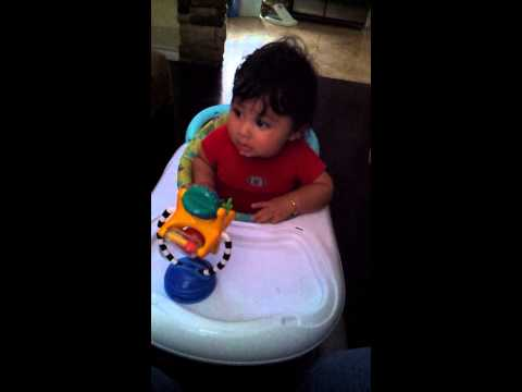 baby tantrums while eating