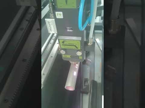 Fiber Focus Cutting Mild Steel Pipe