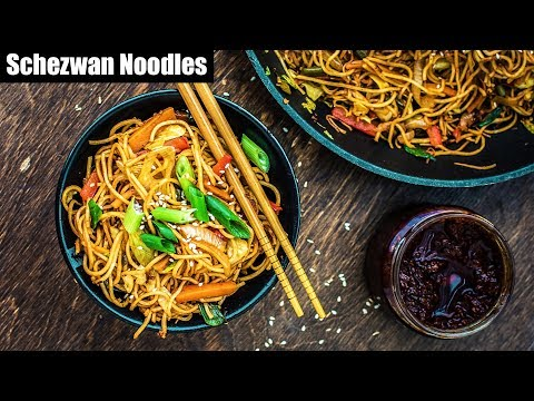 Veg Schezwan Noodles - Easy and Quick Homemade Chinese Noodles Recipe | Indian Street Food