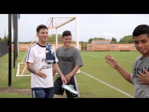 Lionel Messi making lucky fans happy in the USA ●