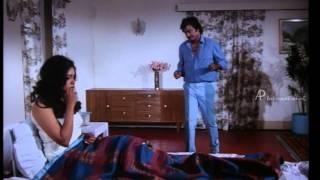 Manithan - Rajinikanth saves Rubini