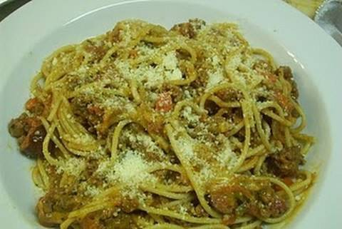 How To Make Delicious Spaghetti with Meat Sauce - I Heart Recipes