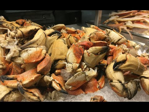 Eating Best Crabs seafood Buffet in Las Vegas Experience