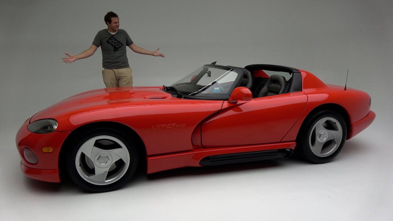 The Original 1992 Dodge Viper Was a Ridiculously Basic, Dangerous Sports Car