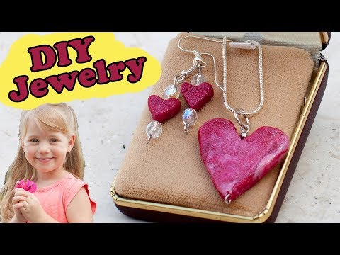 DIY Jewelry for Mother's Day - Craft Time with Ashley