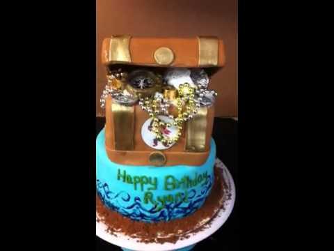 Fondant treasure chest cake tutorial