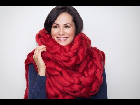 How to  knit a long chunky Merino scarf in 15 minutes with no needles! BeCozi