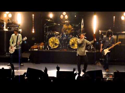 The Stone Roses -  I Wanna Be Adored  ( La Cigale, Paris )