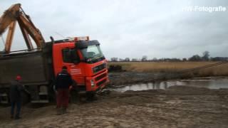 Vrachtwagen Met Zand Weggezakt Bij Losplaats