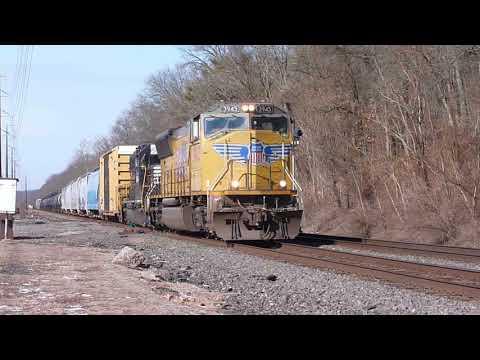 NS 38G31 UP 3945 at Royersford PA