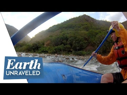 White water rafting the Sacred River near Santa Maria - Inca Trail, Peru 🇵🇪