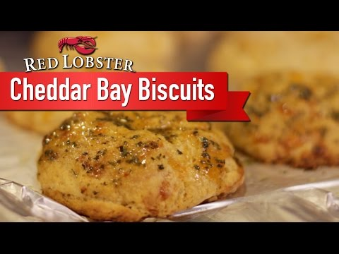 Cheddar Bay Biscuits 2 Ways - Red Lobster