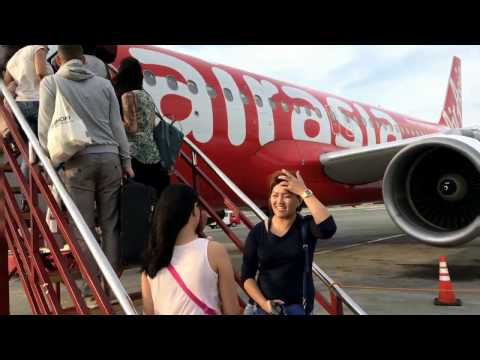 AirAsia Flight from Manilia to Palawan. El Nido Island hopping