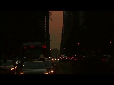 Manhattanhenge takes over the streets of NYC