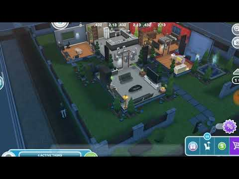 Have a sim take a selfie - the Sims freeplay 😸
