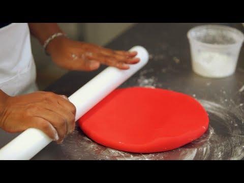 How to Prepare Fondant for Ladybug Cake   Birthday Cakes