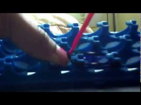 How to make cra-Z-loom fishtail bracelet!!