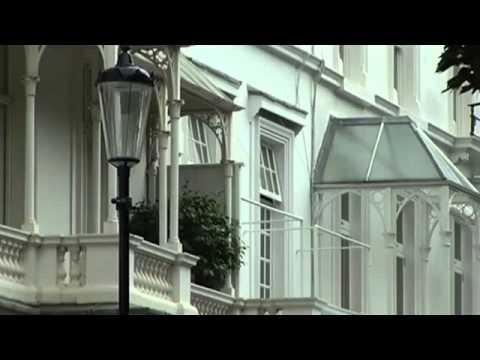 Average UK House Price Hits £250,000