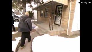 Eminem visita la sua vecchia casa sulla 8 mile (Detroit) (Sottotitoli Italiano)