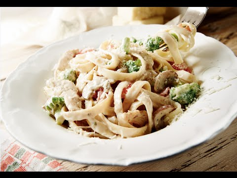 Fettuccine Alfredo with Chicken and Vegetables | 2014 Milk Calendar