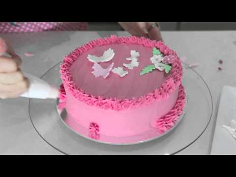 Quick way of Decorating a Cake in Butter Cream