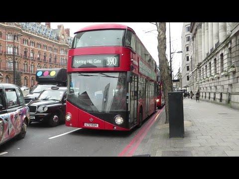 [London] Buses near King's Cross St. Pancras