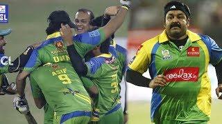 Kerala Strikers Celebrating Victory Against Punjab De Sher