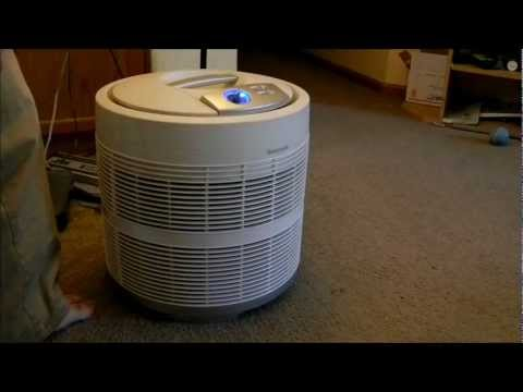 Honeywell 50250-S 99.97% Pure HEPA Round Air Purifier 1 month on low update cleaning vid