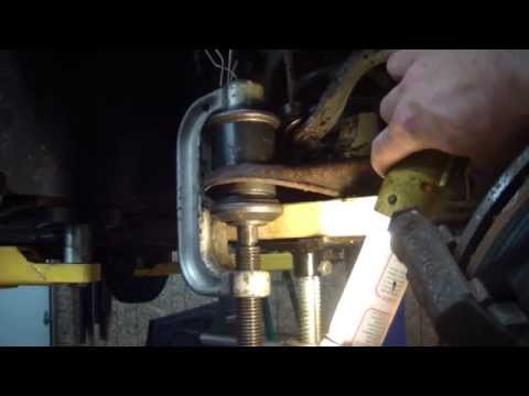 Crown Victoria or Grand Marquis Upper and Lower Ball Joint Change / Replacement 95-02