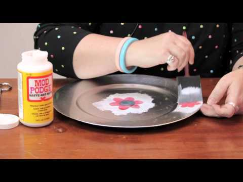 How to Decorate a Plate With Mod Podge : Fun Crafts & Decorations