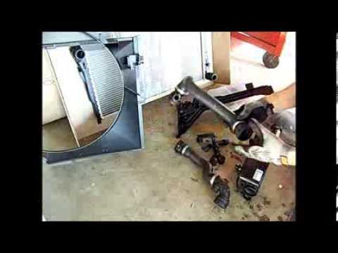 BMW 330i, 325i, 323i, e46 Radiator and Expansion Tank Replacement