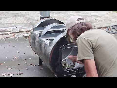 Homemade Syrup Cooker//  Cleaning the Barrel