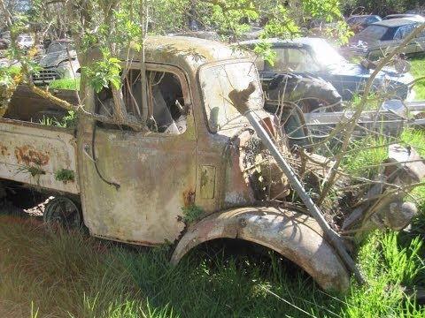 Classic Car Graveyard in New Zealand - 100s of Abandoned Vintage Vehicles