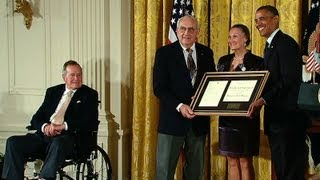 President Obama Honors the 5000th Daily Point of Light Award