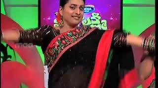 Roja navel show in beautiful saree