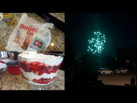 Erica's Life Vlog | 4th of July | Chicken Pot Pie & Berry Trifle
