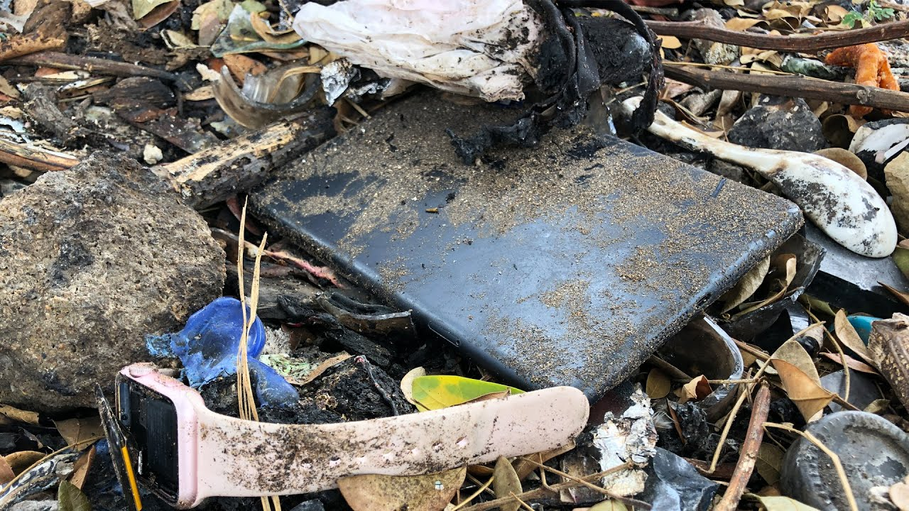 Founded Abandoned Destroyed iPad mini, Restoration video
