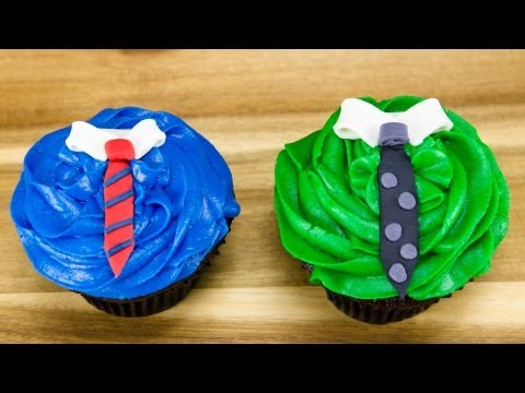 Father's Day Cupcakes: Fondant Neckties by Cookies Cupcakes and Cardio